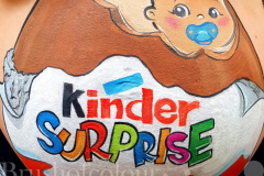 insta-big-kinder-surprise-belly-painting-copy-scaled