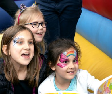 children party face painting